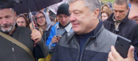 Таксист отказался везти Порошенко после вече на Майдане (ВИДЕО)