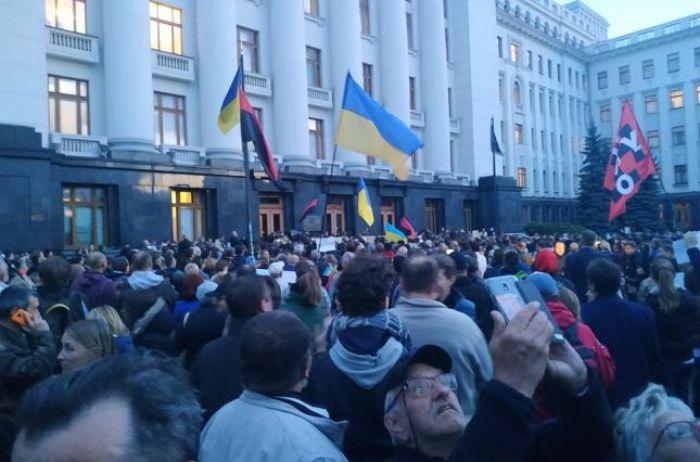"""Против """"формулы Штайнмайера"""": в Украине массово создают штабы сопротивления капитуляции"""