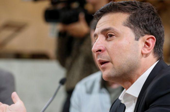 У Зеленского предлагают освободить украинцев от уплаты налогов: кому повезет