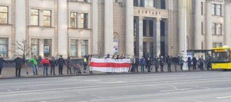 """""""Стоять на смерть!"""" Беларусь охватили масштабные протесты против Путина. ФОТО, ВИДЕО"""