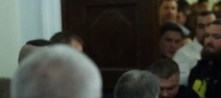 Соратник Зеленского попал в больницу с сотрясением мозга после драки в Раде: подробности