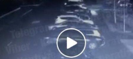 За 60 секунд: ВИДЕО стремительного угона автомобиля под Киевом