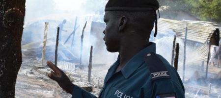 В Судане разбился Ан-12 с чиновниками и детьми на борту: много погибших
