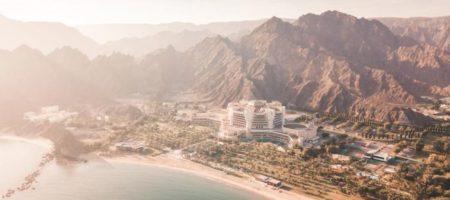 Зеленский по-тихому сбежал из Украины для роскошного отдыха в Омане. ФОТО