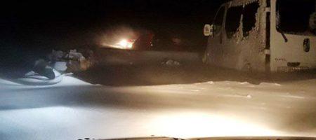В Черновицкой области в снежном замете застряли десятки автомобилей. ФОТО