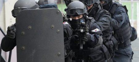"Кошмар в Одессе: ""террорист-минер"" прорвался в аэропорт на микроавтобусе. ВИДЕО"