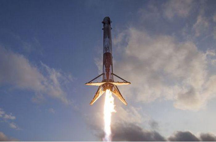 Взорвался корабль Маска: опубликовано ВИДЕО запуска