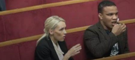 """""""Не мышь и не птица"""": нардепа Беленюка застукали в Раде за странным занятием"""