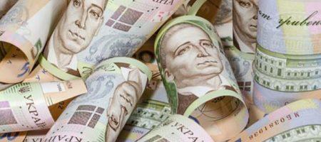 Гривна робко зашагала вверх: свежий курс валют