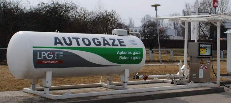 Новые пошлины: за машину на газу придется отдать кучу денег