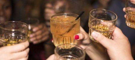 Продукты, которые нужно съесть перед употреблением алкоголя