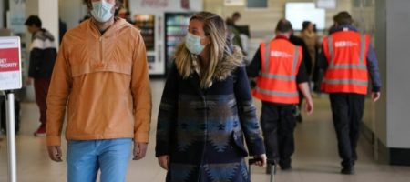 Блогер показал, как украинские аптеки наживаются на панике людей
