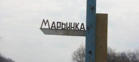 Детей экстренно отправили в бомбоубежище: боевики обстреляли школу в Марьинке