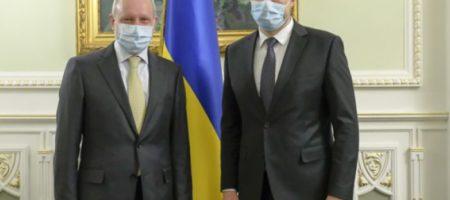 Шмыгаль: Зеленский утвердил идею поставки спирта в ЕС