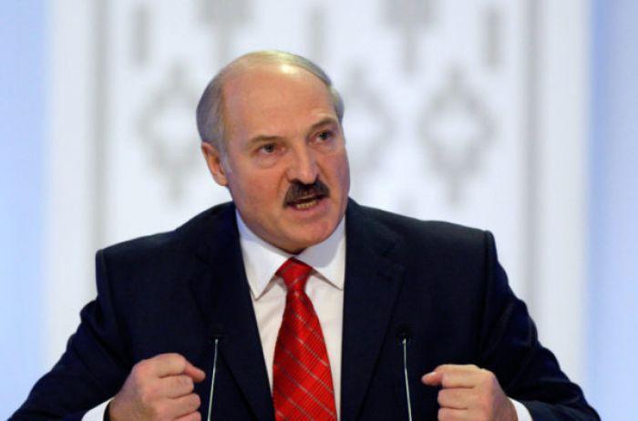 """""""А жрать что будем?"""" Лукашенко рассказал, как врачи запугивают президентов коронавирусом"""