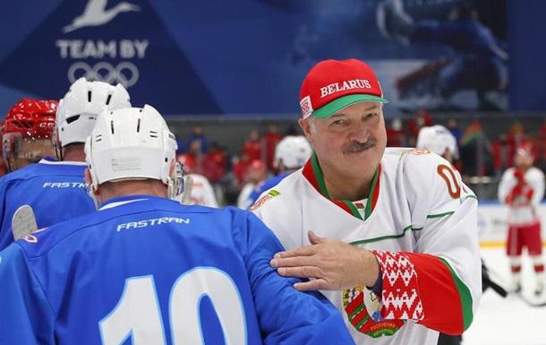 Баня и водка. Как Лукашенко борется с эпидемией СЮЖЕТ