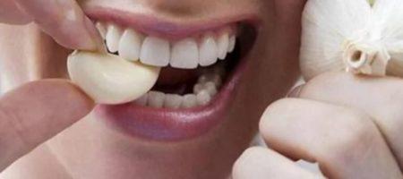 Как после чеснока быстро убрать запах изо рта