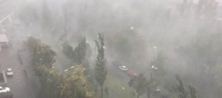 ГСЧС предупреждает: на Украину надвигается ураган