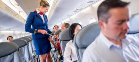 Стюардесса рассказала о самой глупой просьбе пассажиров