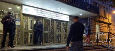 ГБР и СБУ разоблачили банду копов-преступников