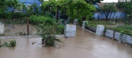Непогода обесточила и подтопила более 100 населенных пунктов, есть погибшие (ВИДЕО)