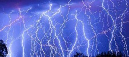 """Запад """"утонет"""", восток """"сгорит"""": прогноз погоды в Украине на четверг"""
