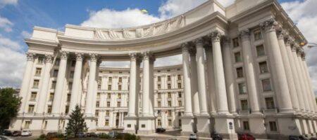 Украина жестко отреагировала на военный «парад» в Крыму