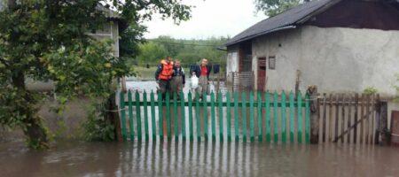 В четырех областях Украины продолжаются работы по ликвидации последствий непогоды - ГСЧС