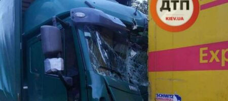 Погиб мгновенно: в Киеве водитель попал в страшное ДТП