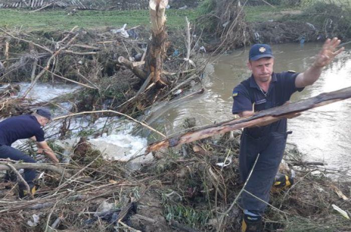 На Львовщине из-за разлива реки подтоплены около 100 домов и повреждены мосты