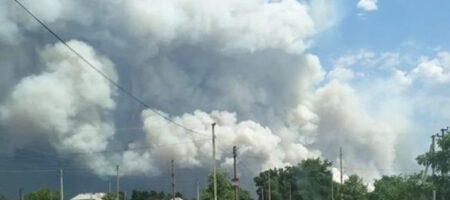 На Луганщине срочно эвакуируют людей: пожаром охвачен целый поселок