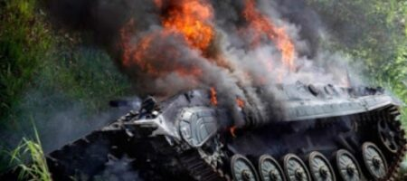 Украинские военные показали уничтожение вражеской бронетехники с ПТРК Javelin (ВИДЕО)