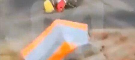 В Москве сильный ветер унес палатку вместе с продавщицей (ВИДЕО)