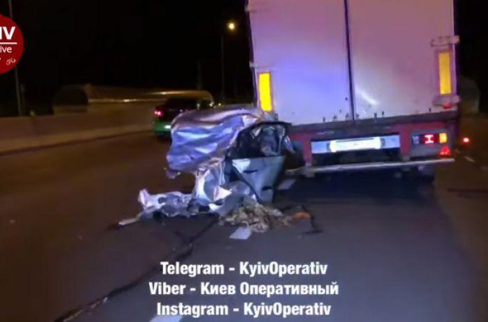 Авто разорвало на части. Жуткое ДТП под Киевом устроил высокопоставленный правоохранитель (ВИДЕО)