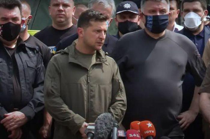 Зеленский после поездки по Украине пожаловался на испытания 2020 года (ВИДЕО)