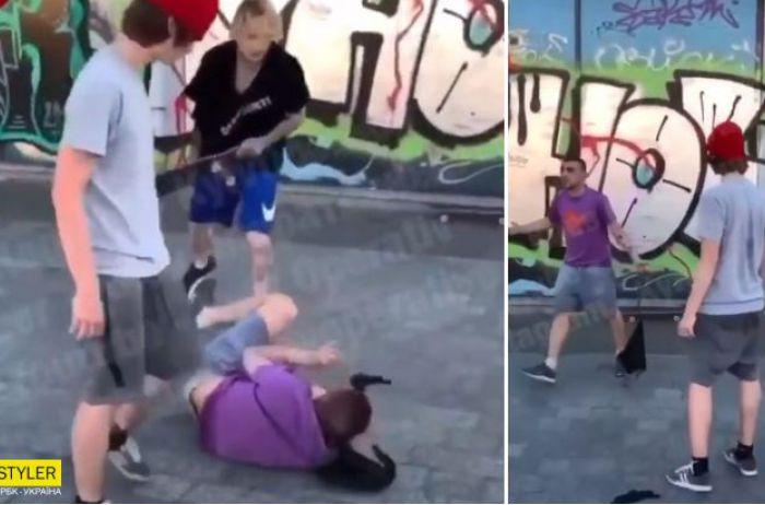 """""""Заступился за брата"""": подростки объяснили избиение мужчины в центре Киева"""