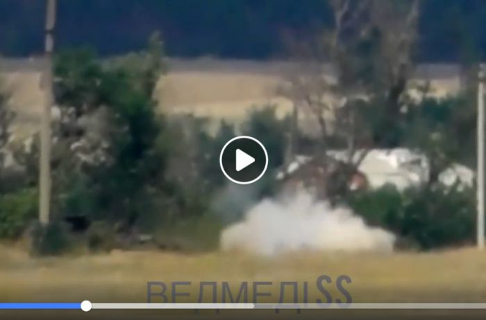 ВСУ ракетой уничтожили позиции боевиков на Донбассе: ВИДЕО попало в Сеть