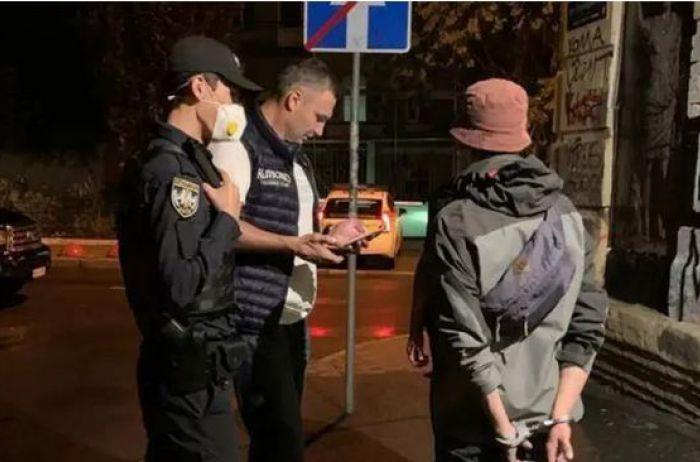 От Кличко сбежал граффитчик-нарушитель: зачем мэр вызывал полицию (ФОТО)