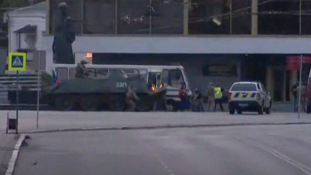 Всех заложников Луцка освободили, террорист задержан (ВИДЕО)