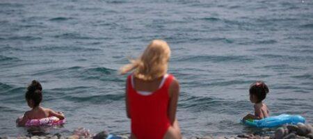 На известном украинском курорте запретили купаться в море