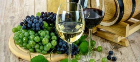 Способ, который поможет отличить натуральное вино от порошкового