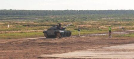 Все серьезно: Бацька приводит в боевую готовность танковый батальон