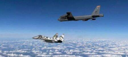 Рейд бомбардировщиков США над Украиной сняли на камеру (ВИДЕО)