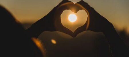 Эти знаки Зодиака в сентябре обретут любовь
