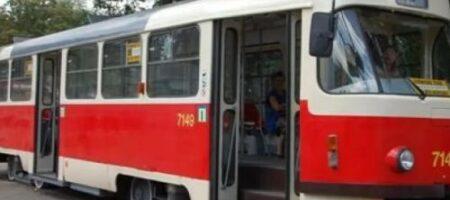 В Киеве подростки избили кондуктора трамвая