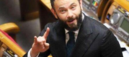 «Слуга народа» заблокировал рассмотрение Радой законопроекта о КСУ