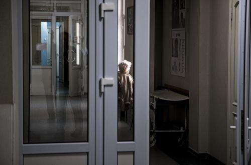 В киевской больнице повесилась женщина, лечившаяся от COVID-19