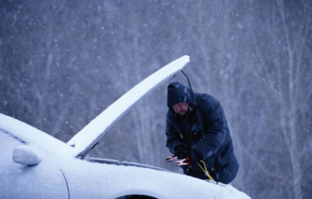 Не ломайте автомобиль: автогонщик рассказал, как спасти машину от сильных морозов