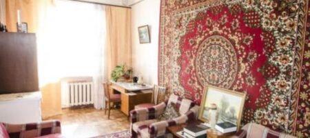 Зачем во времена СССР повсеместно вешали ковры на стены