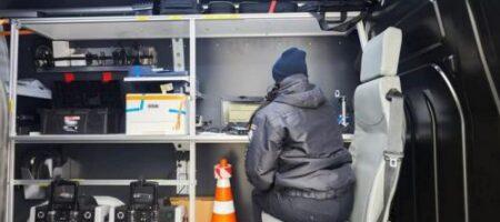 """Техосмотр """"в полевых условиях"""": полиция закупила 30 специальных машин"""